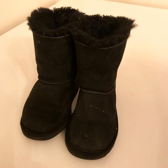 9f726d9e37b Little girls UGG boots